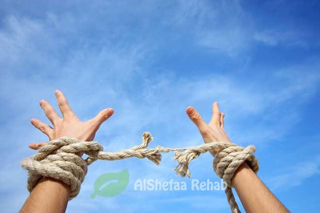 علاج الإدمان بشكل نهائي .. الخطوات والعوائق والحلول