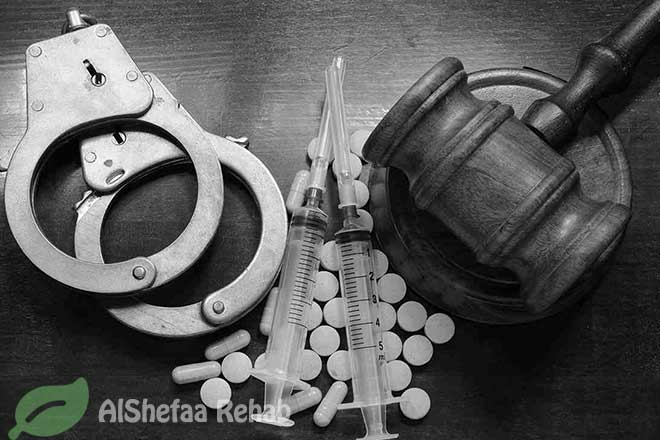 المخدرات .. قيد مدمر يلازم حياة المدمنين