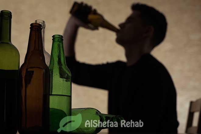 المضاعفات الجسدية والنفسية لتعاطي وإدمان البيرة المسكرة
